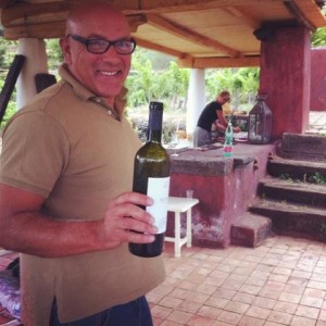 Ciro pops the first bottle of Etna Bianco!